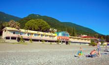 Пляж пансионата Лучезарный Гагра