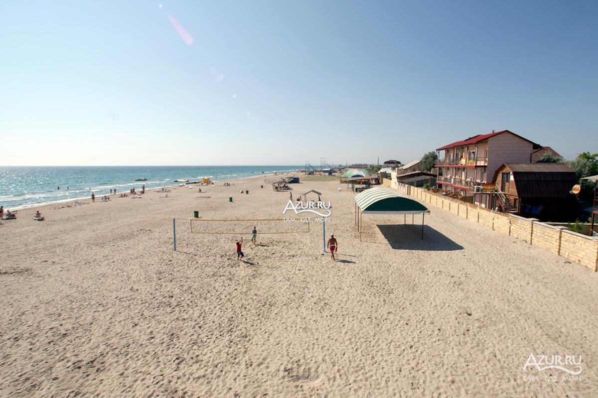 Пляж «Краб» | Пляжи в Штормовом | ПриветТур | 800x1200