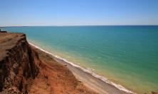Дикие пляжи между Песчаным и Береговым