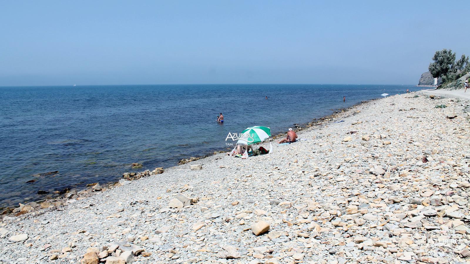 день дикий пляж в анапе фото короедом или шубой