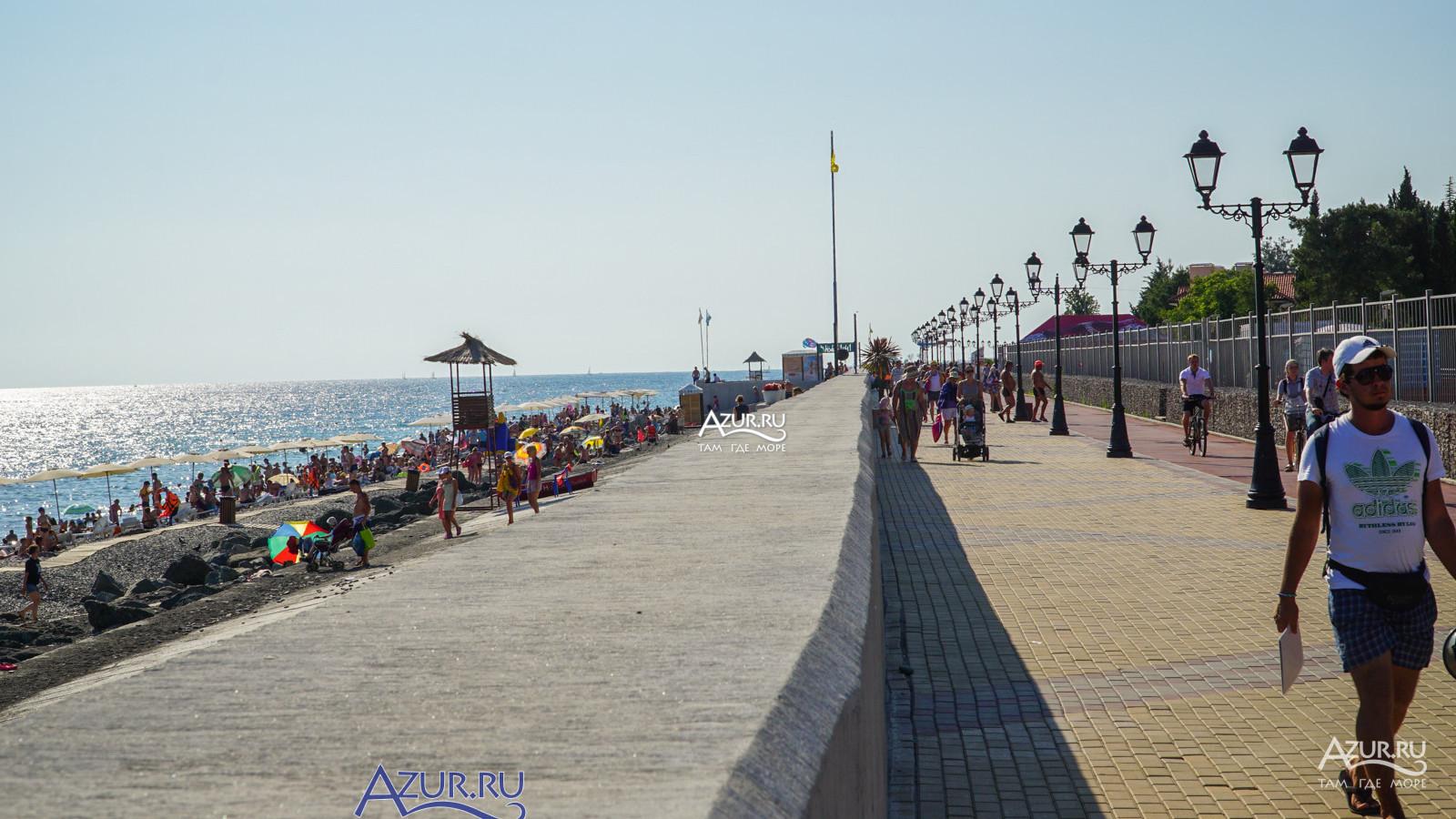 Фотографии с сайта сервиса Azur